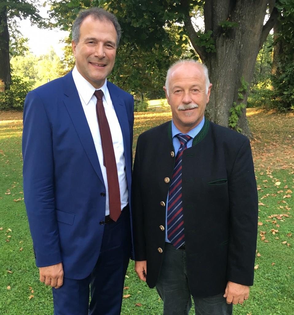 Gespräch mit Alexander Hold, dem Bewerber der Freien Wähler für das Amt des Bundespräsidenten.